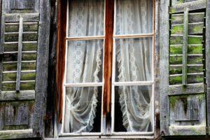 Fenêtre bois ancienne